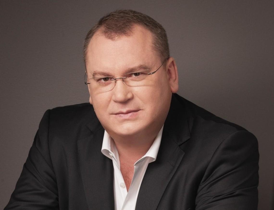 Машину голови Дніпропетровської ОДА Валентина Резніченка викрали зі стоянки, повідомив прес-секретар Нацполіції.