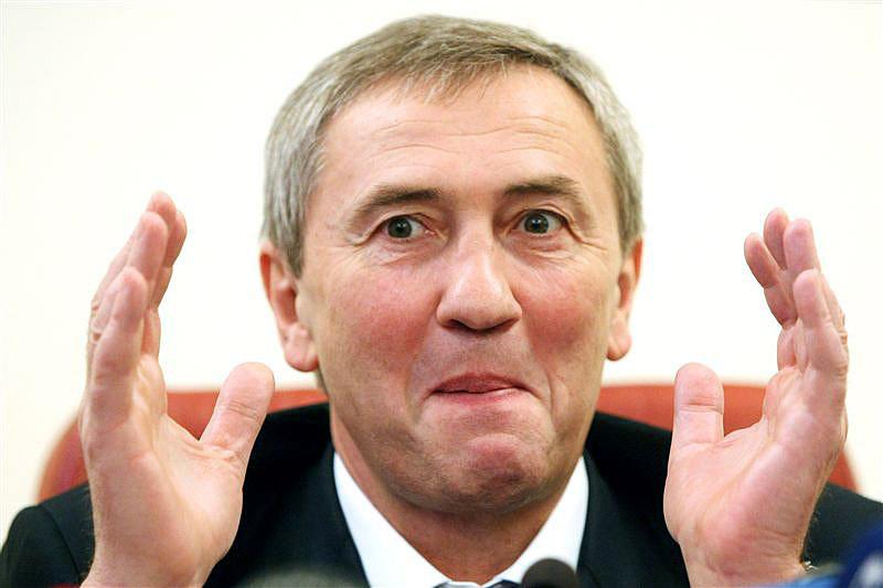 Колишній голова КМДА Леонід Черновецький заперечує факт арешту свого сина в Барселоні за підозрою у відмиванні грошей.