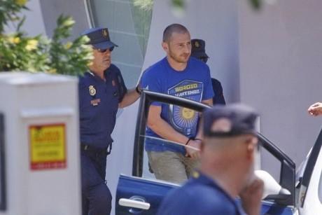 В Інтернеті з'явилися фото затримання сина Леоніда Черновецького. Іспанські правоохоронці вважають Степана одним із лідерів злочинного угруповання.