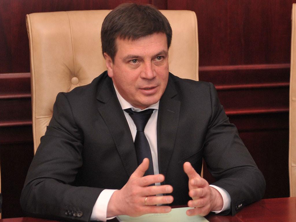 За словами віце-прем'єра – глави Мінрегіону Геннадія Зубка, на ремонт мостів Донецької області Кабмін направить 88 млн грн.