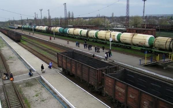 На Донбас із Російської Федерації прибули ешелони з озброєнням, паливом та боєприпасами для терористів самопроголошених ДНР та ЛНР.