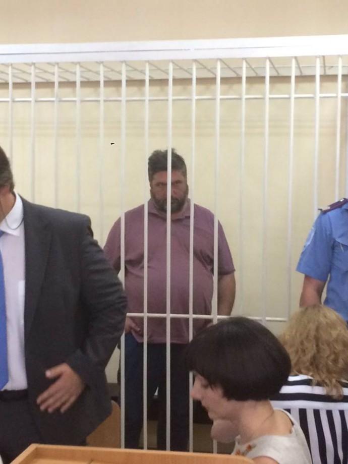 14 липня Антикорупційна прокуратура повідомила про підозру першому заступнику голови правління НАК «Нафтогаз України» Сергію Переломі в розкраданні державної власності.