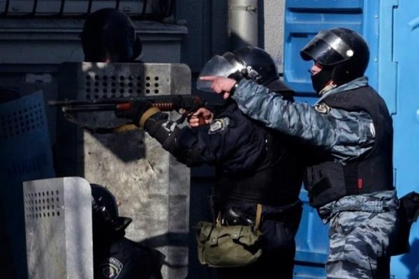 Під час брифінгу в Тернополі генпрокурор України Юрій Луценко заявив, що вже в цьому році, всі винні «беркутівці» будуть заочно засуджені.