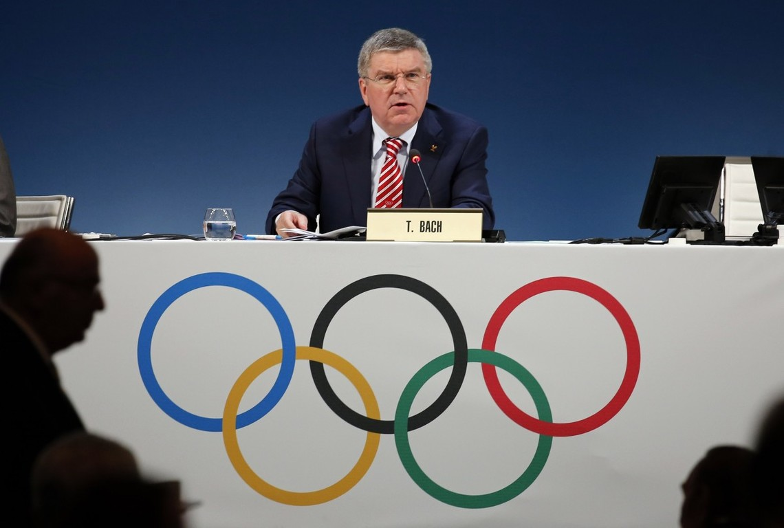 При МОК негайно почне роботу комісія, яка вивчить юридичний бік питання про допустимість повного виключення спортсменів однієї країни з числа учасників Олімпіади.