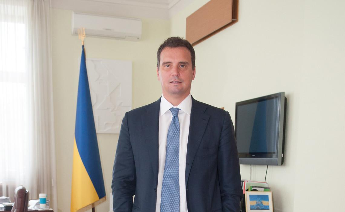 Екс-главу Мінекономрозвитку Айвараса Абромавичуса покликали працювати до майбутнього уряду Литовської республіки.