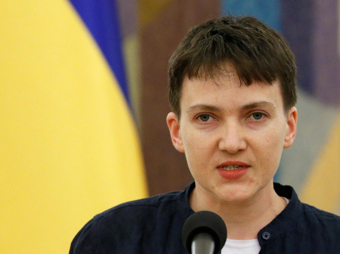 Народний депутат Надія Савченко вважає, що політичну систему в Україні можна змінити лише зверху і не виключає періоду диктатури.