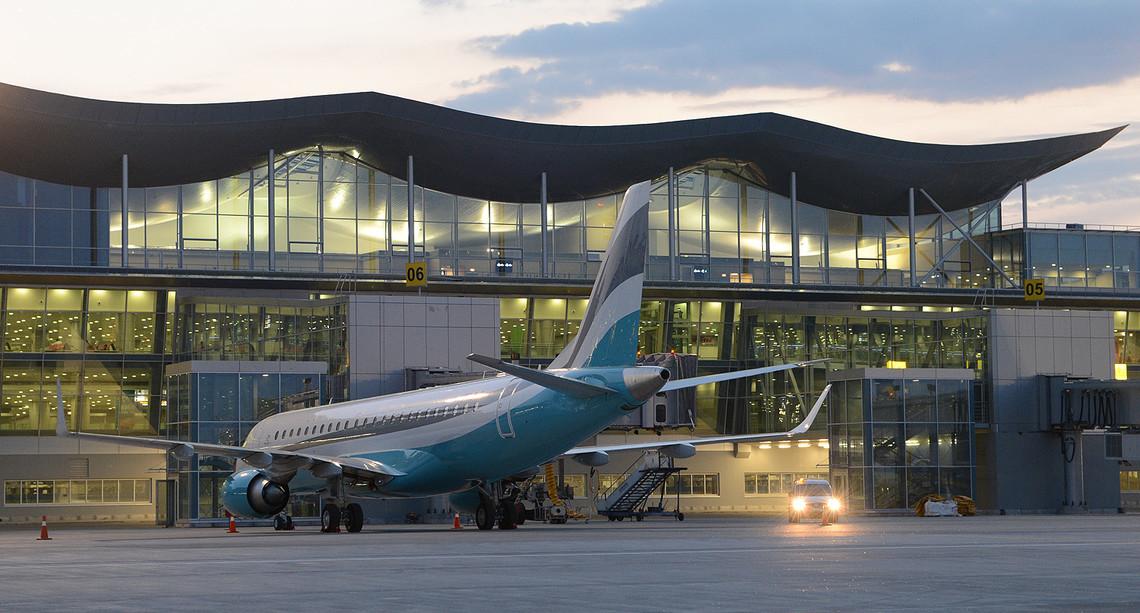 Міністр інфраструктури Володимир Омелян заявив, що в Україні необхідно побудувати ще щонайменше 10 аеропортів.