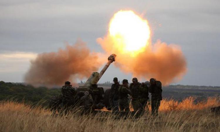 За минулу добу на Донбасі проросійські бойовики більше 80 разів відкривали вогонь по позиціях українських військ.
