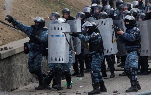 Прокуратура наполягає на продовженні арешту для п'ятьох беркутівців, яких звинувачують у вбивствах учасників Євромайдану.