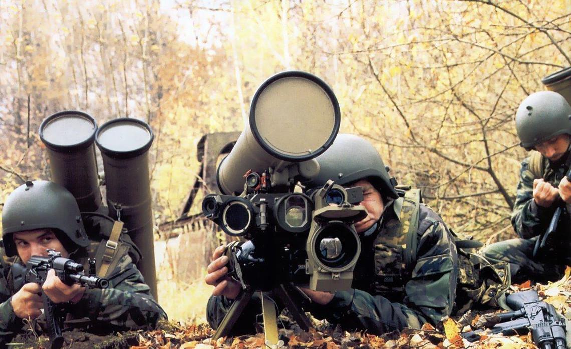 У зв'язку з активізацією Збройних сил Росії на території окупованого Криму, в Україні підвищено рівень бойової готовності.