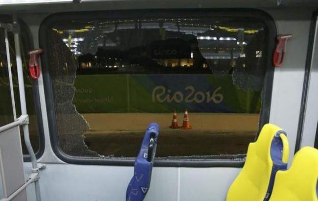 В Ріо-де-Жанейро невідомі обстріляли автобус з журналістами, двоє отримали легкі поранення. Бразильська поліція поки не прокоментувала інцидент.