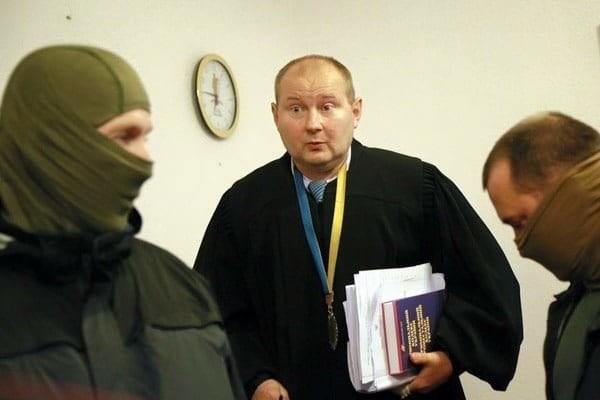 НАБУ викрило на хабарі в 150 тис. доларів суддю Дніпровського райсуду столиці Миколу Чауса.