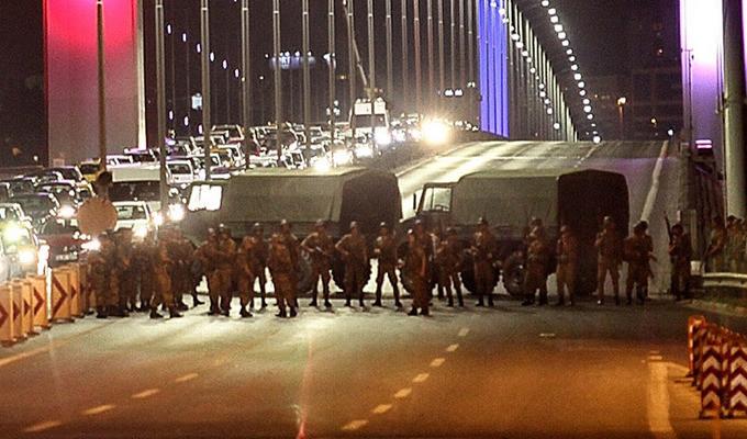 Перший турецький військовий попросив притулок в США після спроби перевороту. Імені і рангу офіцера не розголошують.