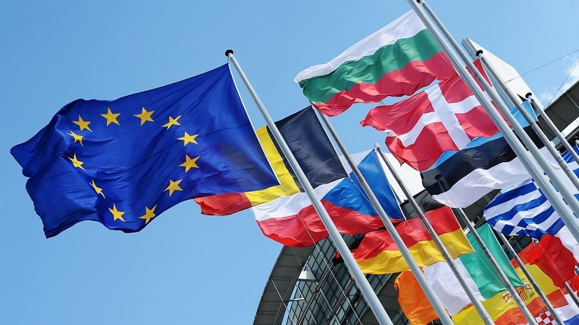 Євросоюз запропонував стати посередником між Україною та Росією через загострення напруженості довкола Криму та на Донбасі. Про це заявив речник Єврокомісії.