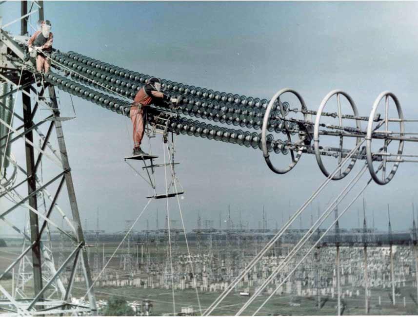 Будівництво ЛЕП між Запорізькою АЕС та Каховським енерговузлом планують завершити до 2017 року.
