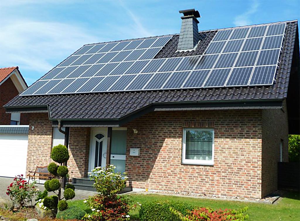 Держава своєю чергою надає таким домогосподарствам заохочення у вигляді зеленого тарифу на відшкодування витрат.