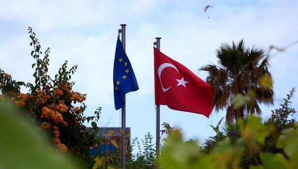 Уряд Туреччини сподівається вступити до Європейського Союзу до 2023 року. Про це розповів посол Туреччини в Євросоюзі Селім Енель.