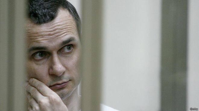 Засуджений у Росії українець Олег Сенцов заявив, що під російську владу не прогнеться і готовий надалі залишатися у в'язниці й бути зброєю проти ворога.