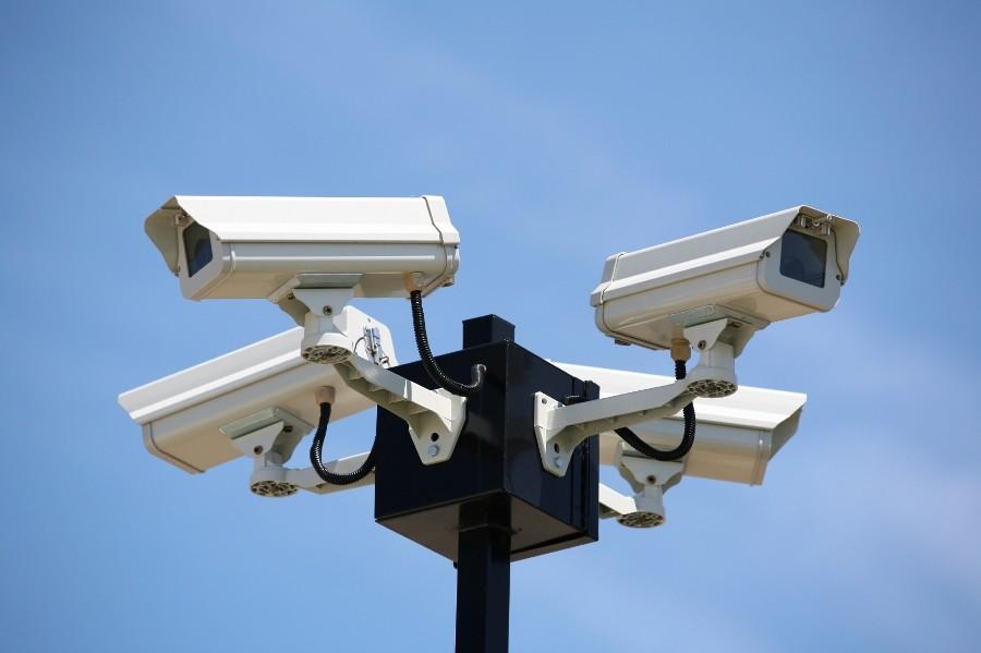 З київського міського бюджету виділено понад 24,3 млн грн на встановлення камер відеоспостереження, а також 7,6 млн грн на встановлення системи тривожна кнопка.