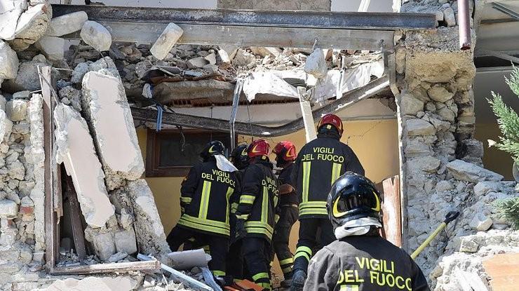 Кількість загиблих у результаті землетрусу в Італії досягла 120 осіб. Громадян України серед загиблих і поранених у результаті землетрусу немає.