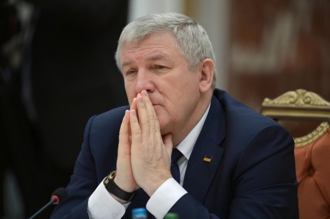 Військова прокуратура звинувачує Єжеля у спробі відчуження двох стратегічних бомбардувальників Ту-95МС суб'єкту підприємництва.