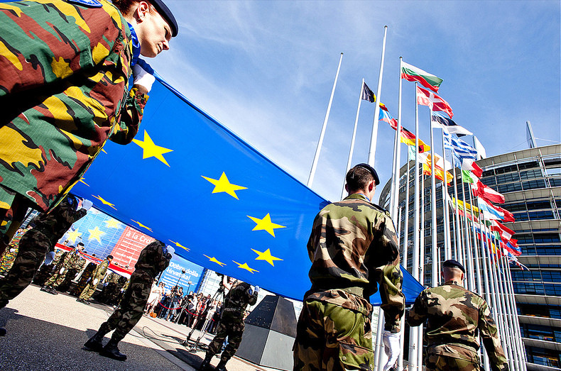 Прем'єри Угорщини і Чехії Віктор Орбан і Богуслав Соботка закликали до створення спільної європейської армії.