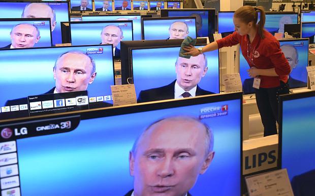 Національна рада з питань телебачення та радіомовлення заборонила ретрансляцію ще чотирьох російських телеканалів в Україні.