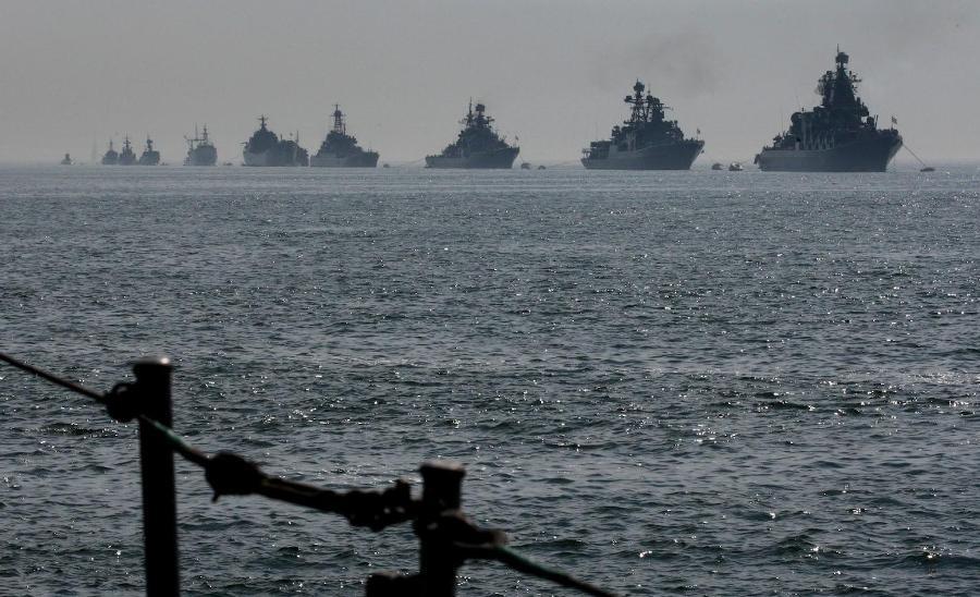 Російські підводні човни класу Kilo і Finik були зафіксовані в десяти милях від кордону Латвії.