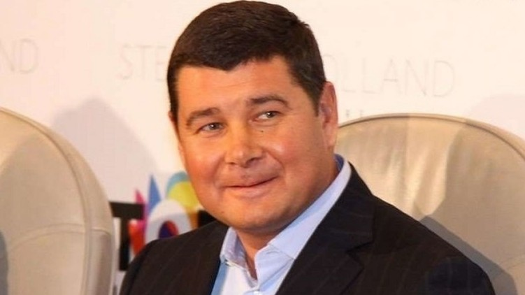 Депутат від групи Воля народу Олександр Онищенко, який звинувачується в розкраданні держмайна повідомив Інтерполу про політичне переслідування з боку української влади.