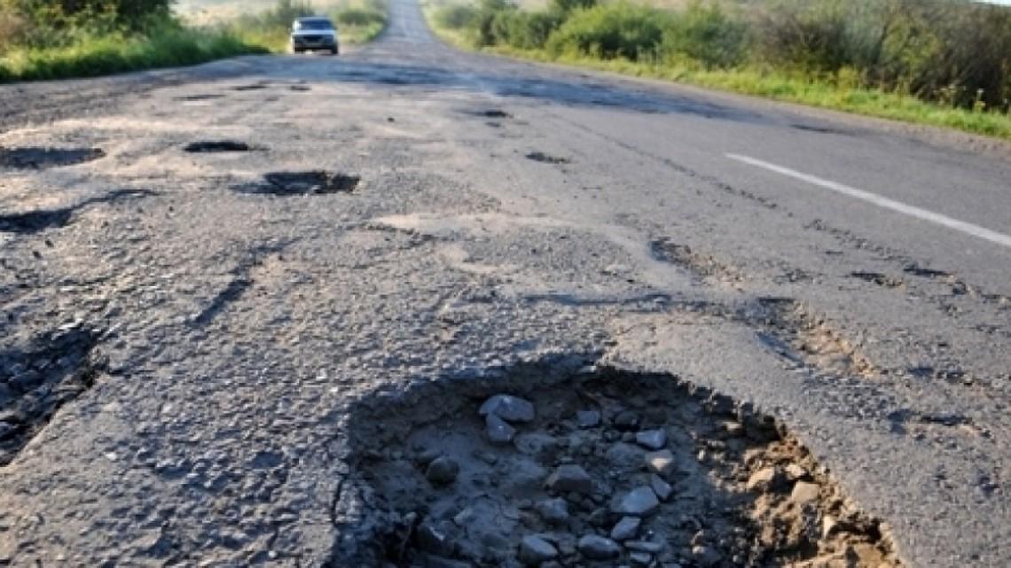 На Сумщині податкова міліція викрила схему розкрадання майже 9 мільйонів гривень бюджетних коштів на дорожніх роботах.