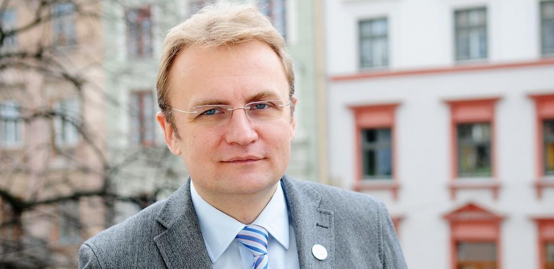 Садовий обіцяє, що до Львова побудують перший в Україні завод з глибинної переробки відходів.