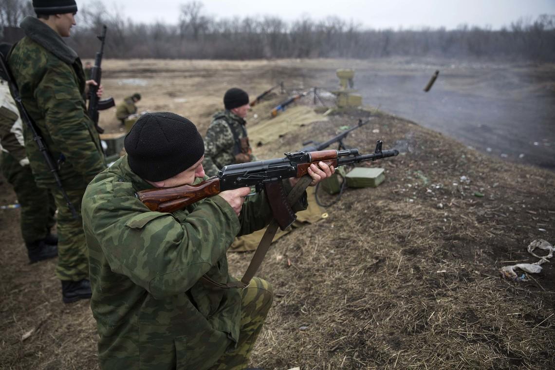 Члени незаконних збройних формувань більш 15 раз порушили режим перемир'я, застосовуючи стрілецьку зброю.