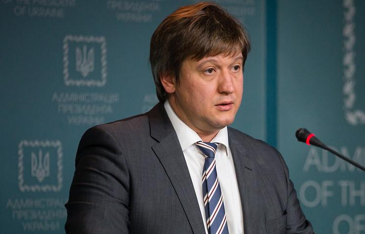 Міністр фінансів Олександр Данилюк заявив, що для отримання наступного траншу кредиту від МВФ Україна повинна провести пенсійну реформу та ухвалити закон про обіг сільськогосподарських земель.