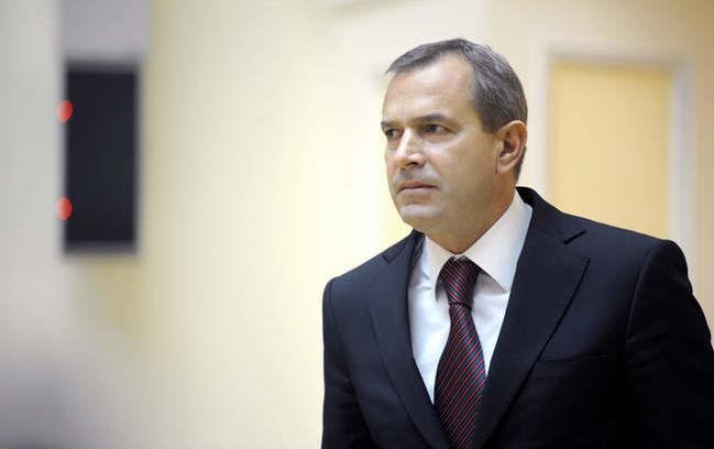 Апеляційний суд Києва залишив відмовився знімати арешт з майна екс-глави Адміністрації президента Андрія Клюєва та його брата-нардепа Сергія.
