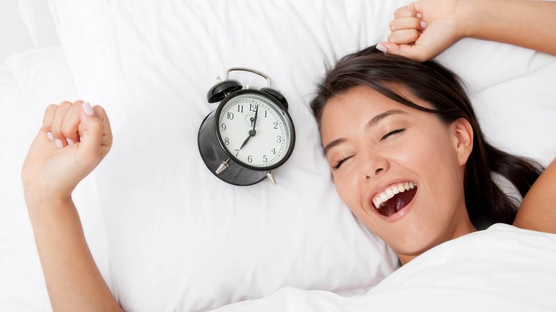 Вчені вважають, що краще починати свій робочий день з 10 години ранку, а необхідність щодня вставати на роботу до 9 ранку – найпоширеніше катування в сучасному суспільстві.