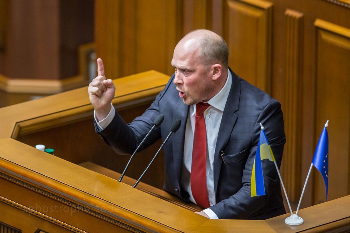 Народний депутат від фракції Блоку Петра Порошенка Сергій Каплін провалив свою обіцянку щодо звільнення міністра внутрішніх справ.