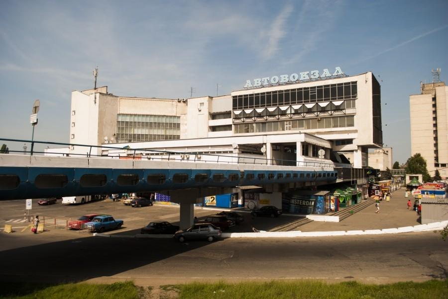 На автовокзалі у Дніпрі встановлять меморіал працівникам патрульної поліції, які загинули внаслідок стрілянини.