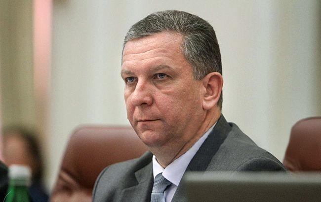 Міністр соціальної політики України Андрій Рева розповів, що потрібна докорінна реформа Служби зайнятості й системи оплати праці.