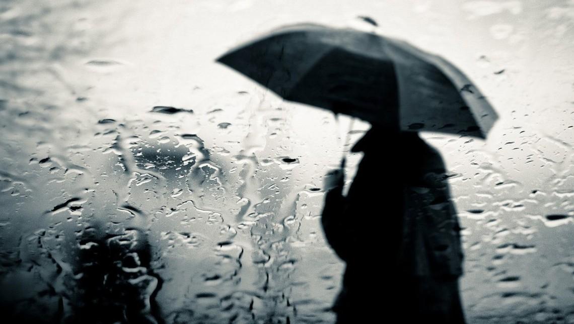 З 4 жовтня на територію України рухаються атмосферні фронти, які принесуть сильні дощі та різке зниження температури.