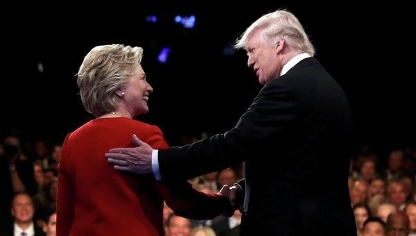 Гілларі Клінтон вдалося значно зміцнити передвиборчі позиції серед чоловіків, більшість з яких ще нещодавно надавали перевагу Трампу.