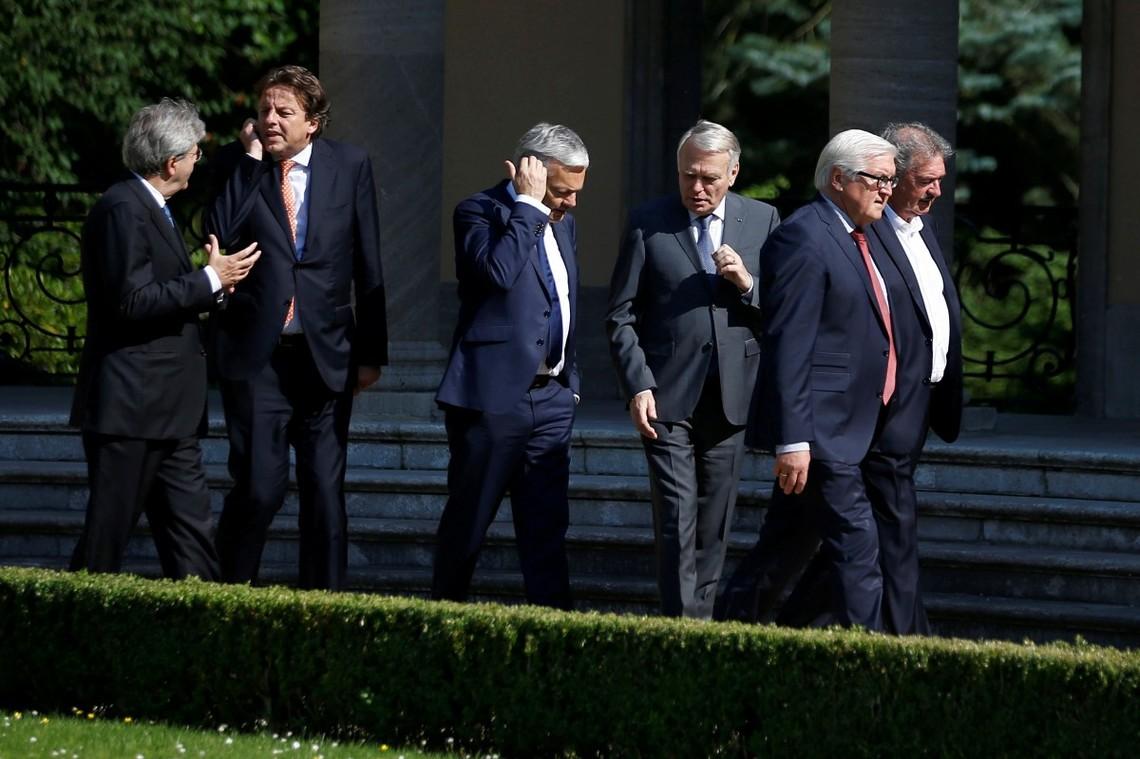 Початкова мета переговорів полягає у виробленні пропозицій, спрямованих на зниження рівня насильства в Сирії.