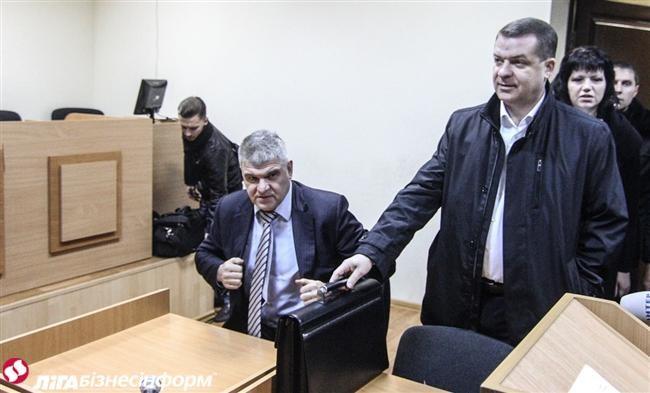У справі діамантових прокурорів Володимира Шапакіна і Олександра Корнійця допитані 30 свідків з боку звинувачення.