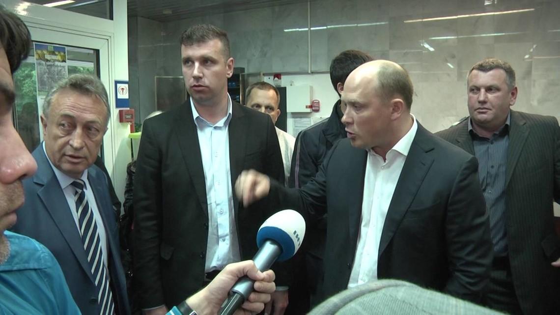 Каплін пообіцяв не допустити, щоб Укргазвидобування використовувало в Полтавській області гідророзрив для буріння газових свердловин, однак свою обіцянку не виконав.