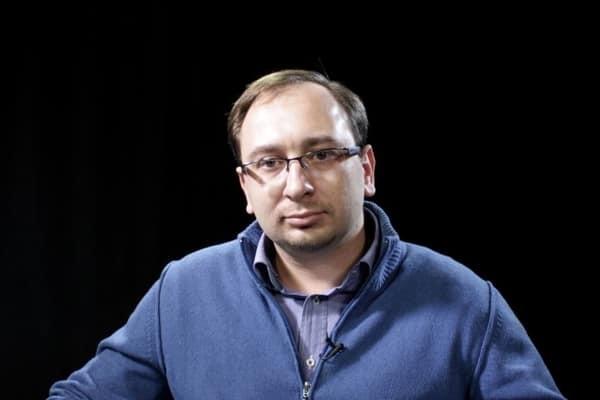 Російський адвокат Микола Полозов допускає, що заарештованого в Москві кореспондента Романа Сущенка можуть обміняти на затриманого в Рівному російського шпигуна.
