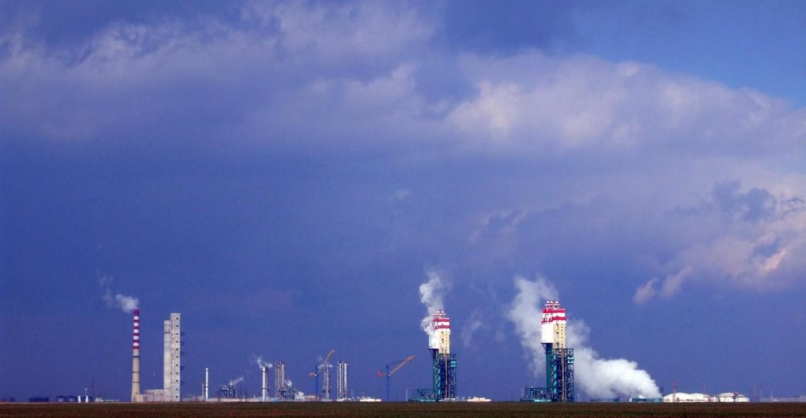 Повторну спробу приватизувати Одеський припортовий завод перенесли з листопада на грудень.