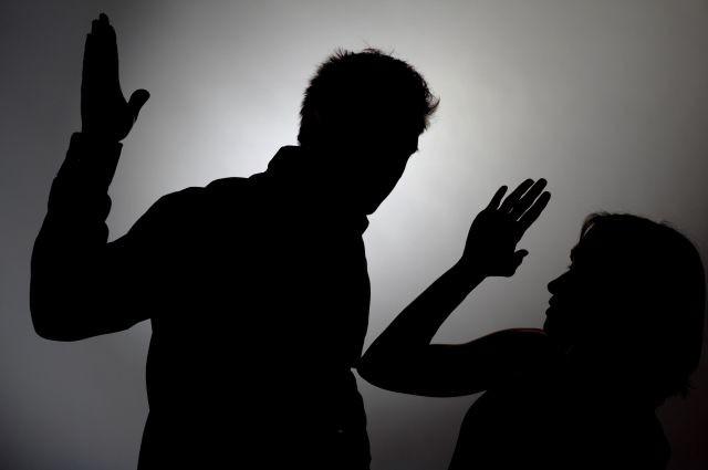 Щорічно, починаючи з 2010 року, в Україні фіксували 100 тисяч звернень у зв'язку з насильством у сім'ї.