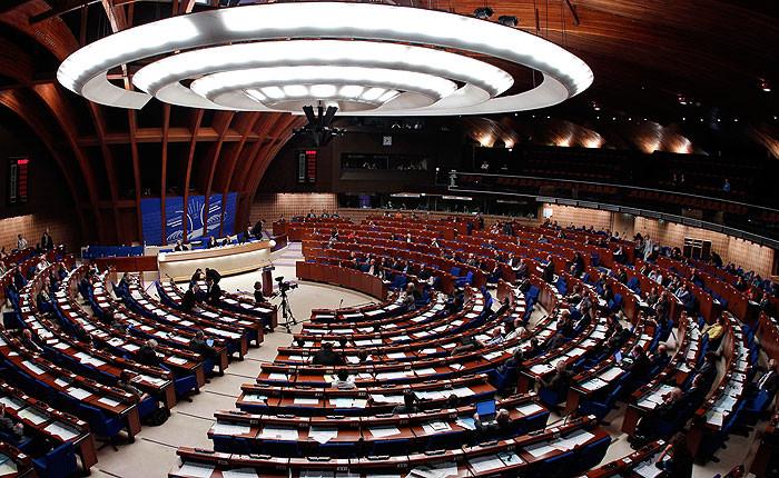 ПАРЄ стурбована тиском влади на незалежні ЗМІ в Україні. В Асамблеї закликали Київ слідувати демократичним цінностям.