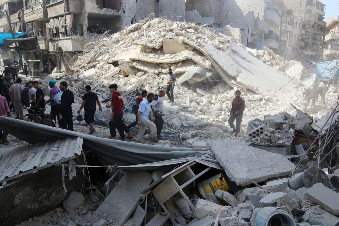 США і Великобританія розглядають нові економічні санкції щодо сирійського та російського урядів з-за їх дій в розореному війною Алеппо.