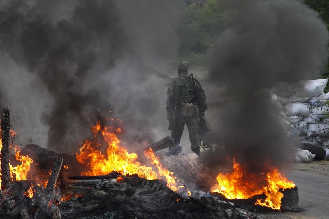 Противник використав важке озброєння по всій лінії фронту. Найскладнішою ситуація залишається на ділянці Мар'їнка-Красногорівка.