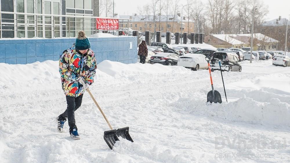 Киев уже оштрафовал учреждения на 50 тысяч грн занесвоевременную уборку снега